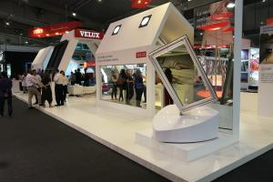 VELUX presenta su producto estrella en Construmat