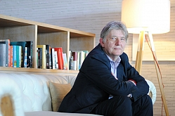 Deyan Sudjic, el gurú del diseño que detesta a Calatrava y las 'apps' sexuales