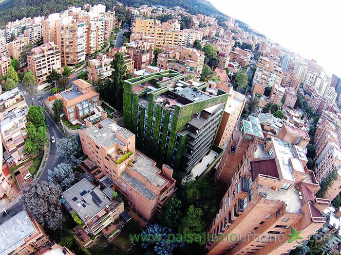 El jard n vertical m s grande del mundo for Paisajismo bogota