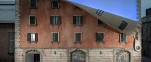 El artista que ha 'desabrochado' una fachada histórica en Milán