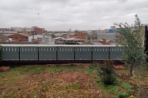 SOLAR INNOVA suministra 50 balcones fotovoltaicos y 30 módulos de lucernario BIPV para el proyecto de instalación de cubierta verde y lucernario en Barcelona