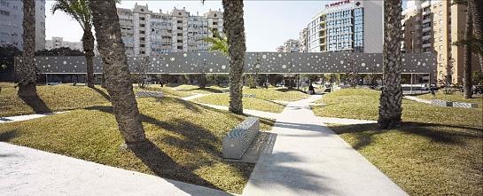 Plaza y Parada de Tranvía . Alicante . Alacant . España