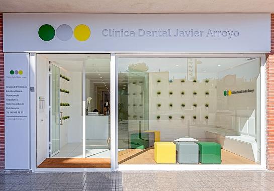 Clínica Dental Javier Arroyo . Alacant . España