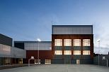 Escuela Nova Electra. Remodelación antigua fábrica AEG