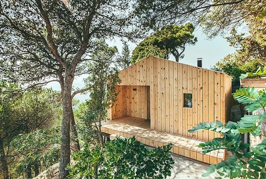 Casa estudio de madera . Sant Cugat del Vallès . Barcelona . España