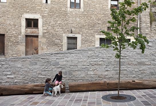 Mejora de la accesibilidad al centro histórico de Vitoria-Gasteiz . Álava . España