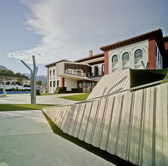 Plaza de La Sede Universitaria . La Nucía . Alacant . España