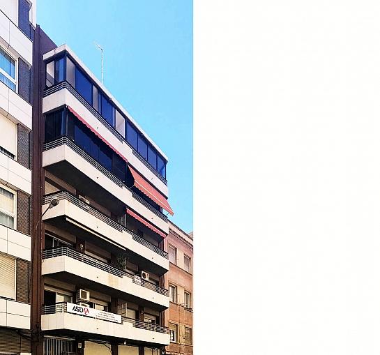 Edificio Poeta Vila y Blanco 15 . Alicante . Alacant . España