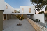 Casa desnuda_ Vivienda unifamiliar zona Loft (Campello) Carmen Rivera & Maribel Requena