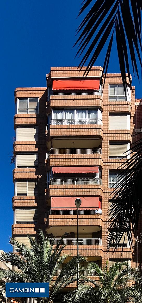 Edificio de viviendas en Benito Pérez Galdós . Alicante . Alacant . España