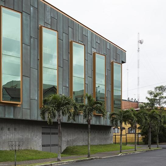 Sede de la Compañía Constructora Van der Laat & Jiménez . San José . San José . Costa Rica