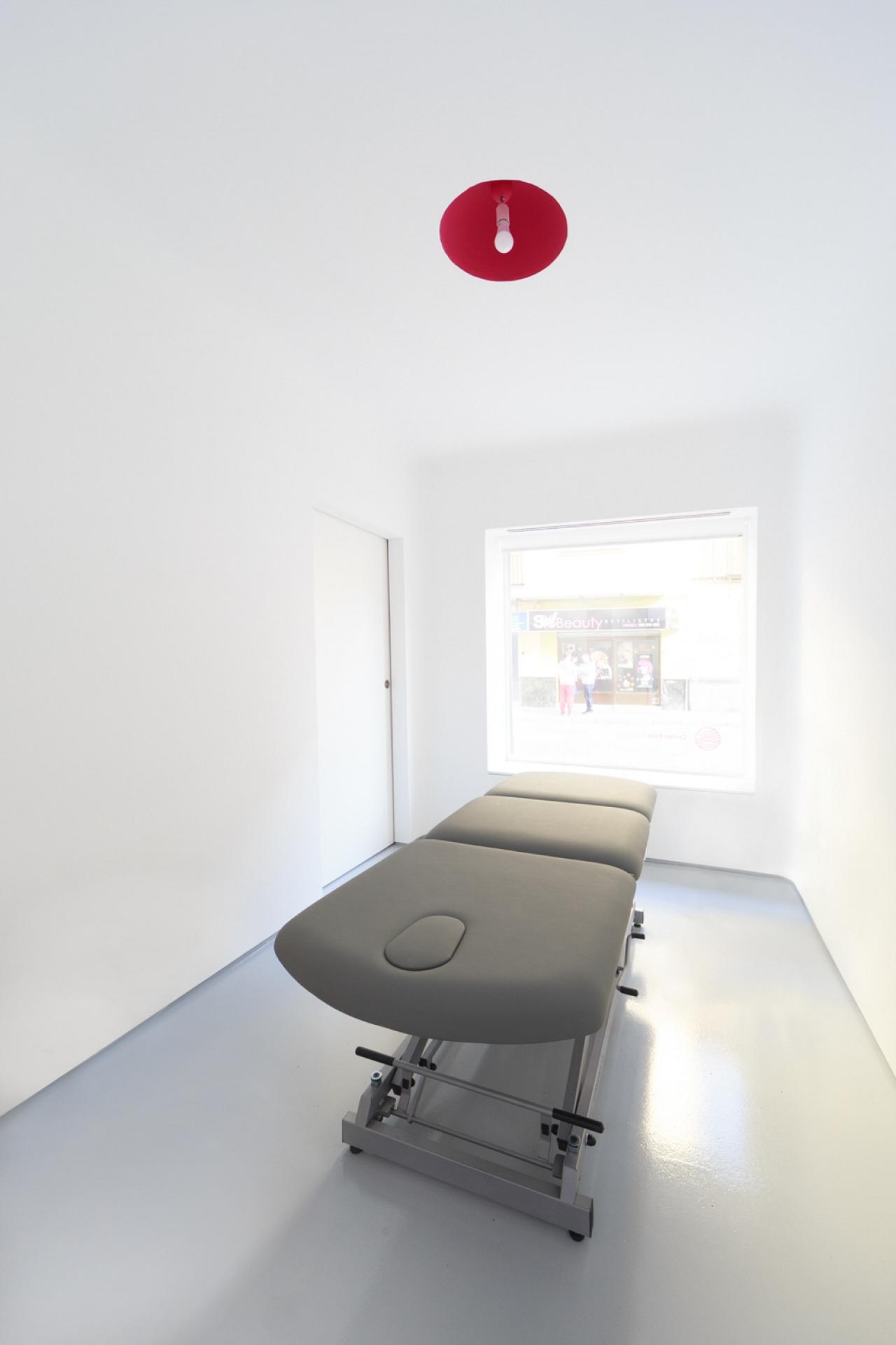 Vida Del Proyecto Clinica De Fisioterapia En Calle Sol # Muebles Fisioterapia