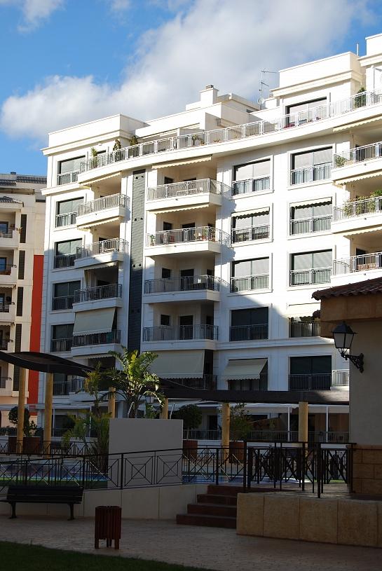 Edificio de 27 Viviendas . Elche . Alacant . España