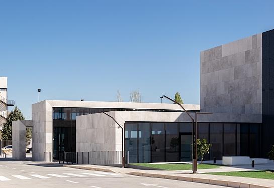 Centro de Protonterapia QuirónSalud . Madrid . Madrid . España