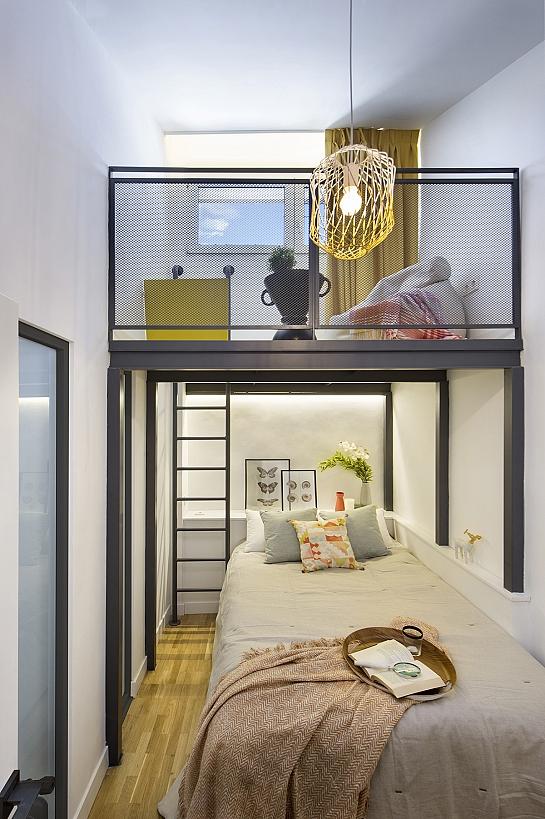 La Casa por el Tejado . Madrid . Madrid . España