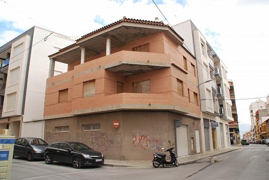 Reforma para Tobías y Reme . Petrer . Alacant . España