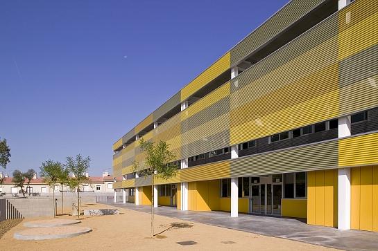"Escuela de Educación Primaria ""Puig de les Cadiretes"" . Llagostera . Girona . España"