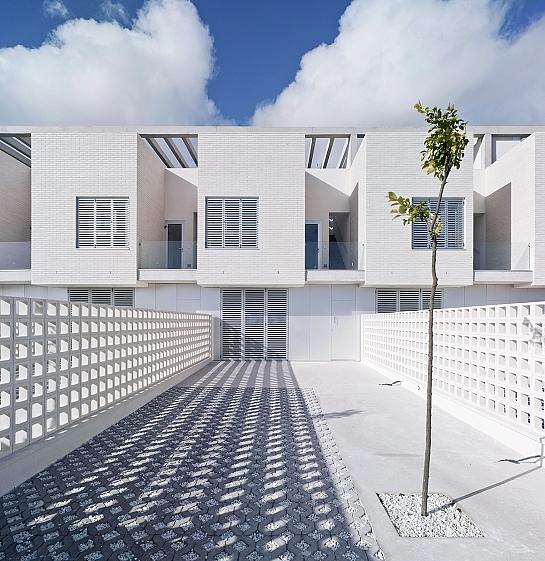 Viviendas adosadas en Playa de Las Higuericas . Pilar de la Horadada . Alacant . España