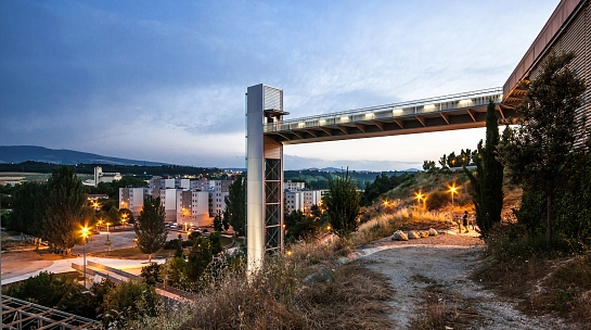 Ascensor urbano en Echavacoiz . Pamplona/Iruña . Navarra . España