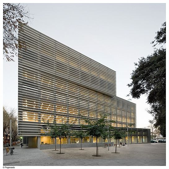 Oficinas Tesorería Seguridad Social en Ciutat Vella . Barcelona . Barcelona . España