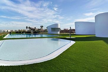 Conjunto de piscinas descubiertas. El Altet . Elche . Alacant . España