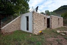Refugio entre muros . Anguiano . La Rioja . España